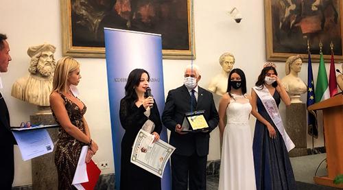 Cristina Cavalli es homenajeada con el Premio Internacional Cartagine 2020